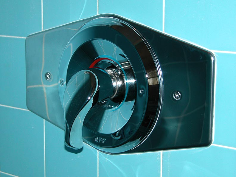 New Single handle tub shower diverter Mixer Valve